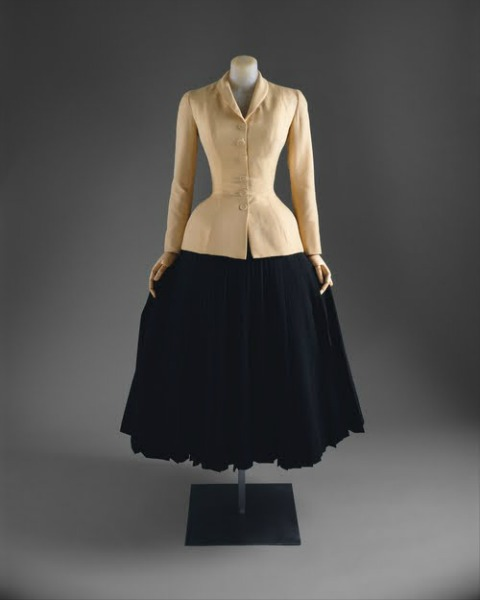 Dior-Bar-Suit-New-Look-1947-christian-dior-1950s-circle-skirt-fashion-1-1