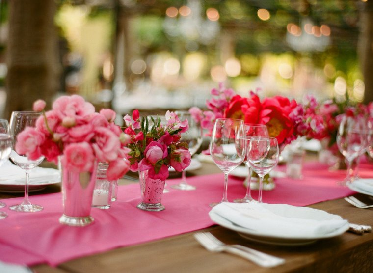 pink-wedding-decorations-for-table